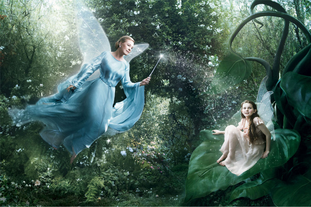 Julie Andrews and Abigail Breslin in Pinocchio